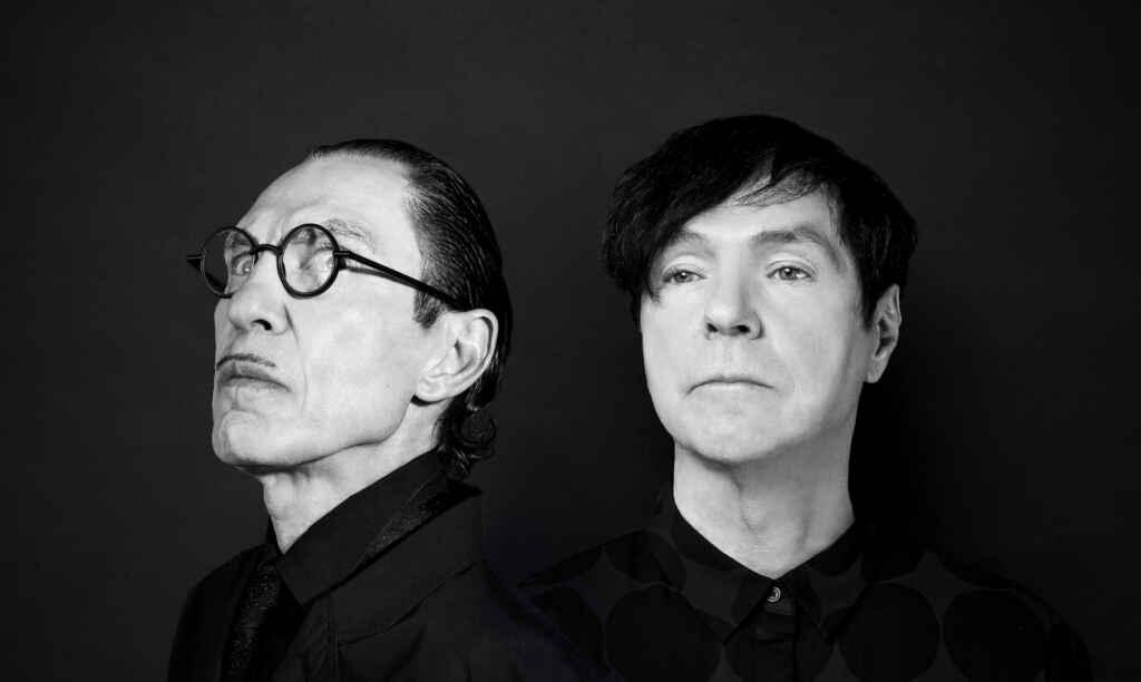 """""""The Sparks Brothers"""": Stars huldigen dem exzentrischen Pop-Duo jetzt im Kino. ©Universal Pictures. Photo: Anna Webber"""